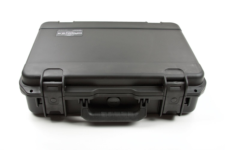 Пластиковый транспортировочный чемодан