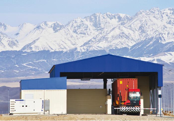 Портал для досмотра грузовых автомобилей и контейнеров HXC-TotalScan